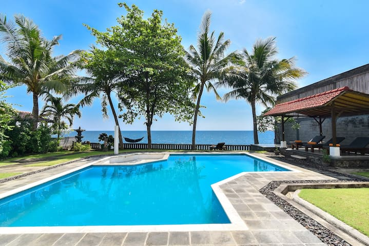 Private Beachfront Villa With Private Pool