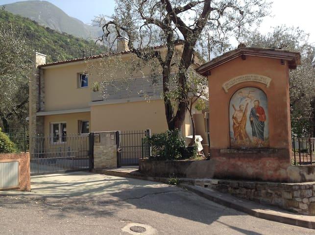 Casa Mario  - N. 2 APARTAMENTS - Wifi free