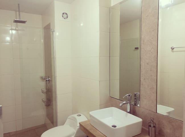 Ana's Room,Best Location close Buenavista Mall