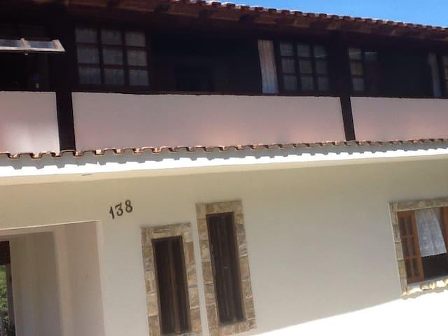 CASA COM PISCINA E CAMPINHO - São José do Vale do Rio Preto - Casa
