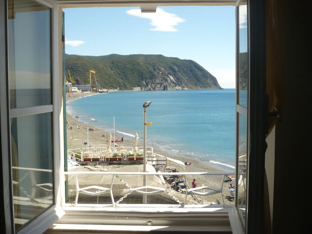 Seafront Apartment near 5 Terre - Riva Trigoso - Apartament