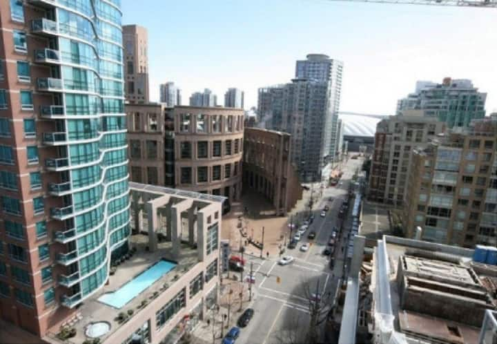 Amazing Location Stylish 1 Bed Yaletown | Air Con