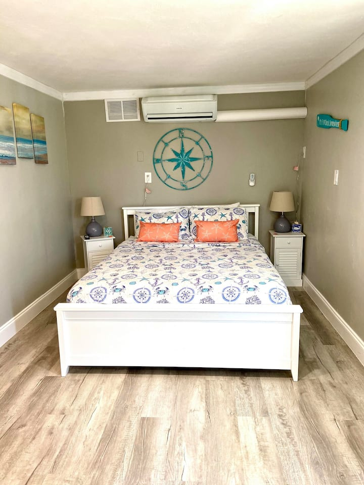 Renovated Room in Key West Style Hotel, Queen bed