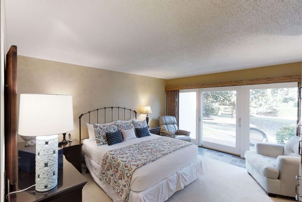 The master bedroom has a comfortable king size bed to allow for a wonderful night sleep.
