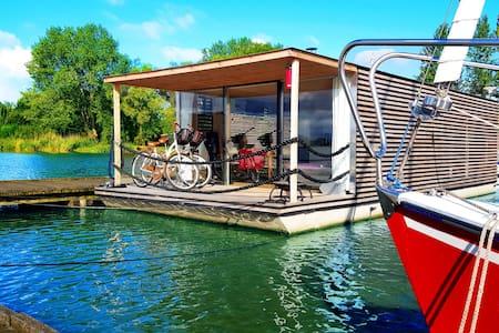 Houseboat HT4 - Mielno