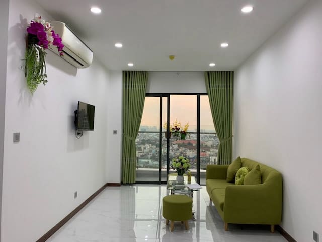 New apartment with balcony view near Dam Sen Park