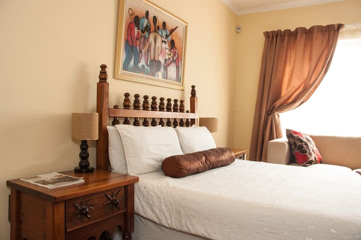 Cosy Comfort in Ormonde - Johannesburg South - Pension