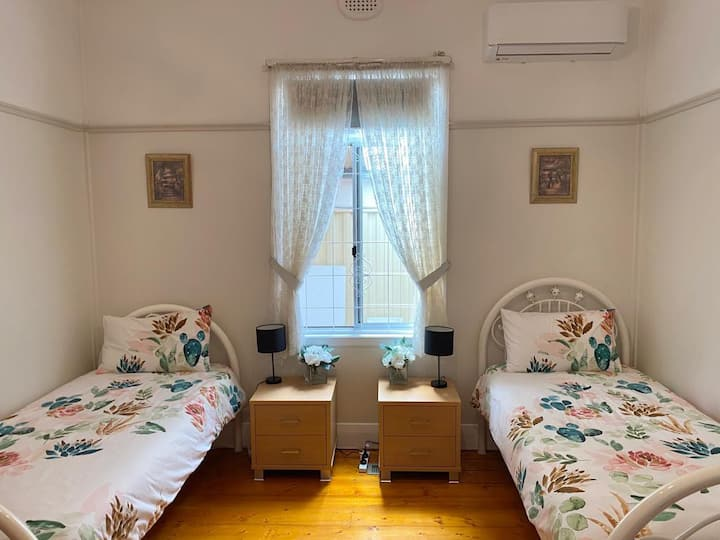 Spacious room with easy access to the CBD