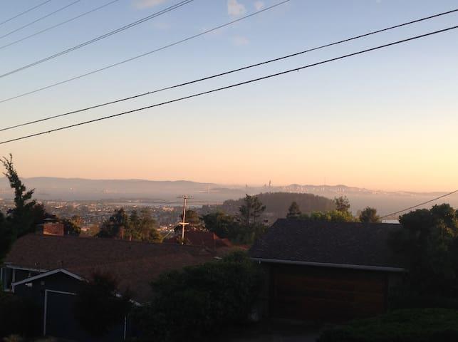 Stunning SF bay views! Bright and modern.