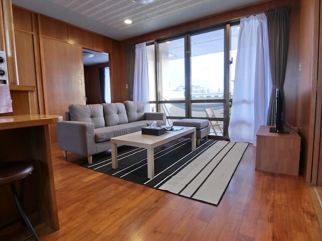 SALE☆Calm and relaxed room, spacious balcony 2LDK☆