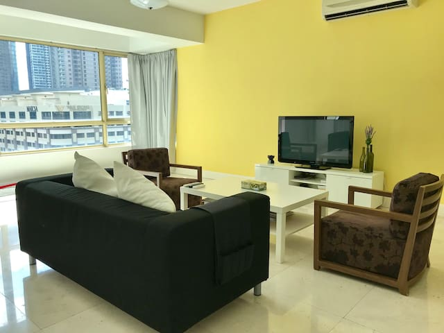 Cosy EnSuite Room in Mid Valley City B
