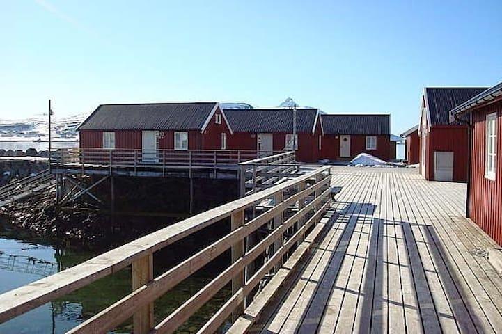 Rorbu midt i Lofoten - Leknes - 小木屋