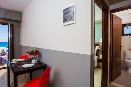 Superior Apartment - Dimitra Hotel-Apts - Kokkini Hani - Bed & Breakfast