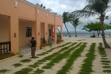 Malapascua Island Family Beach Resort - Cebu City - Bed & Breakfast
