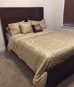 Comfy and relaxing private room for near UCF - Huis