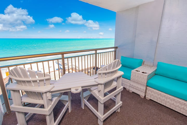 Relaxing Oceanfront Condo at Grande Cayman Resort