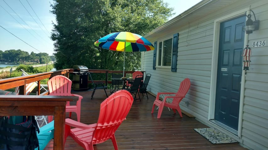 BUDGET FRIENDLY LAKE VIEW COTTAGE! - Inman
