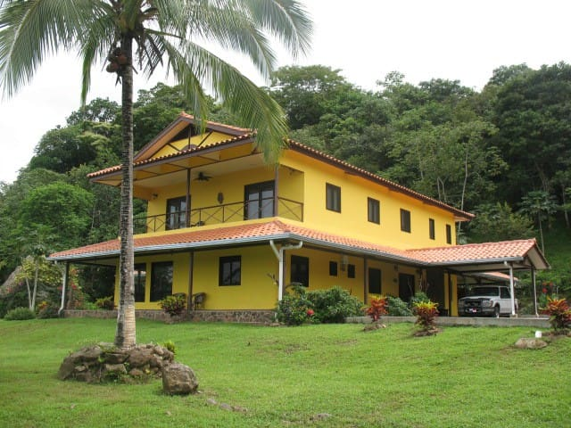 Two-Bed Double Room in Beautiful Jungle B&B, Chicá
