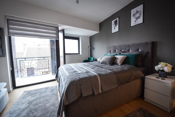 Urban Deluxe Studio Apartment