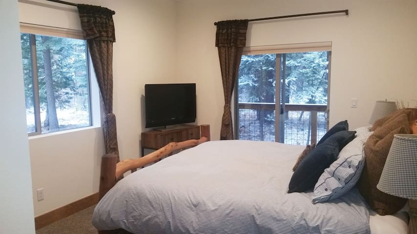 King Room in New House - Tahoe City
