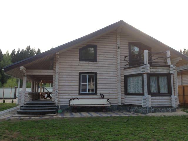 Сдаю новый дом из карельской сосны