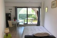 Ciboure ⎜Charming studio in a residence w/ a pool ·  Little garden ·  Park