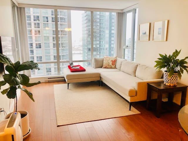 PP's HOME ★ Downtown/Yaletown Two Bedroom Condo
