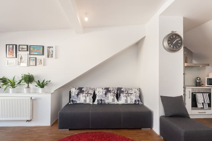 2 bedroom loft with terrace and free parking - Praga - Loft