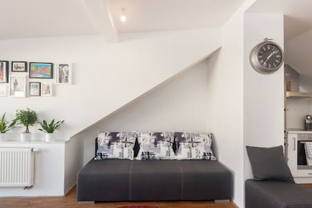 2 bedroom loft with terrace and free parking - Prague