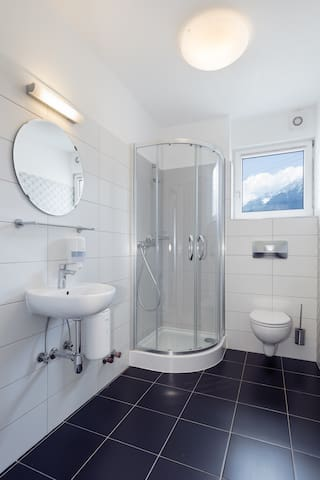 Triple Room Ensuite with Mountain View