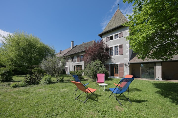 Lake Annecy - Saint-Jorioz : Charming historic house totally renovated by the lake for 12 people.