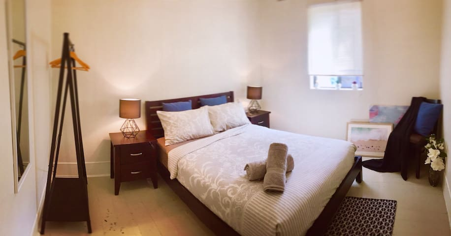 1CitySurry Room city low cost(perfect Short stay)