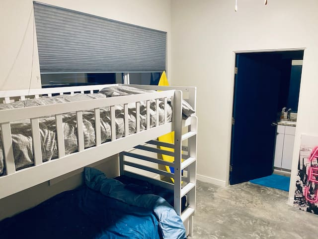 Hostel Alluzion 1 Bed in 3 Bedroom Room Co-ed