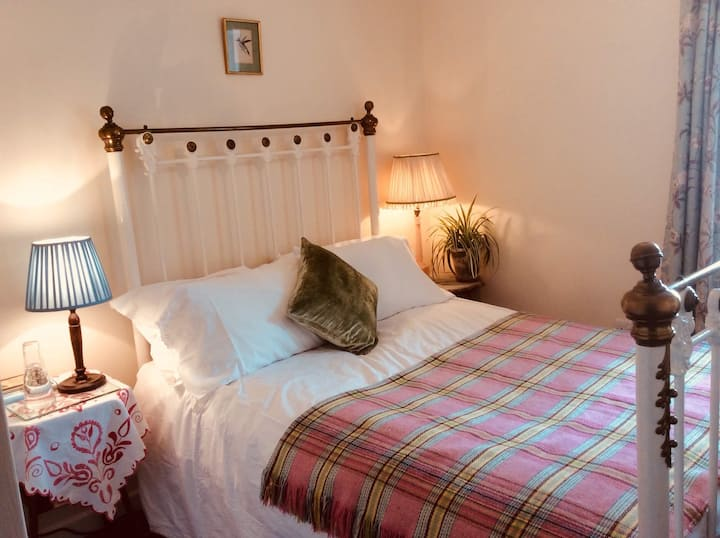 Pembrey Cottage En Suite, 1 mile from Hay