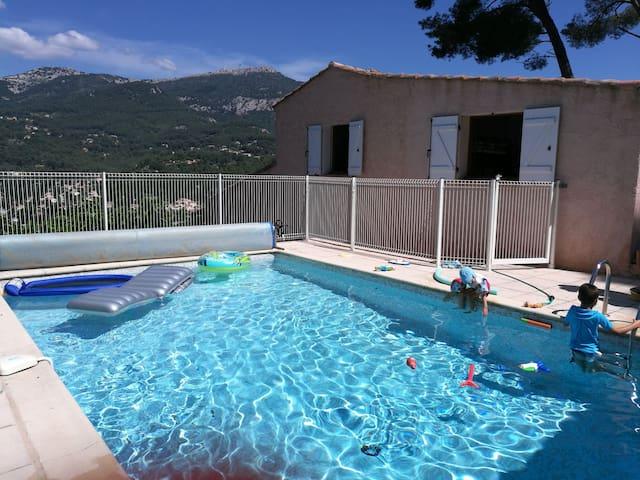 Villa 135m2 vue exceptionnelle, calme piscine clim