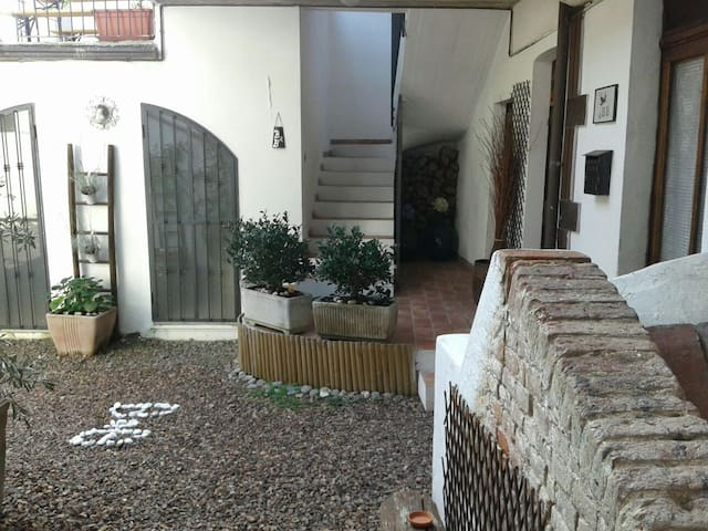 Casa di campagna !! - Lozzolo - Bed & Breakfast