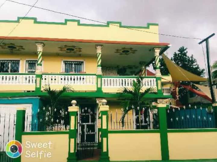 Mora's Guest House