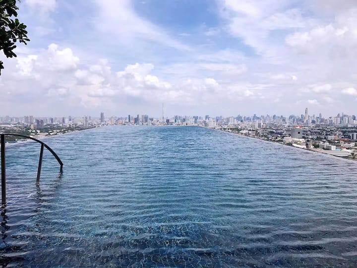 The tree rio出行方便离地铁Bang o 0米,网红屋顶泳池,离考山路,大皇宫5.5公里