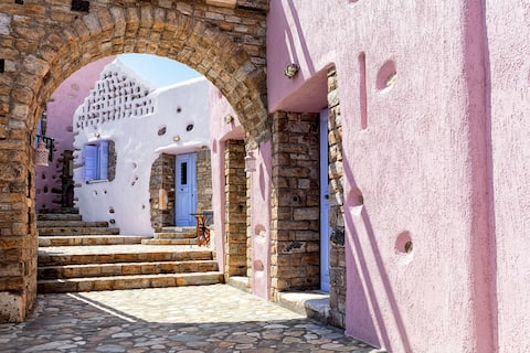 PERISTERONAS FOLK HOUSE - Unique Cycladic Dwelling