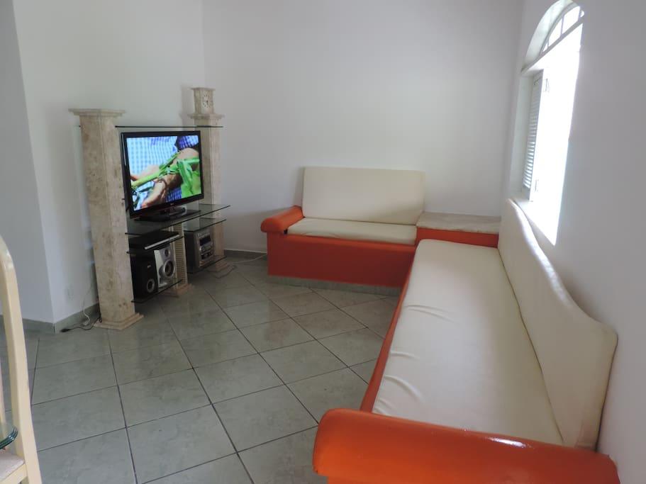Sala, em dois ambientes.