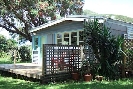 Classic Kiwi bach in Pataua South - 旺阿雷(Whangarei)