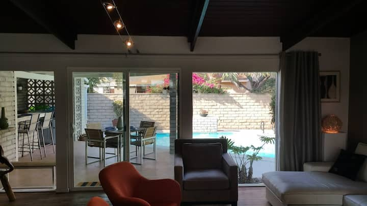 Gorgeous 4 Bedroom Modern Anaheim Home with Pool!