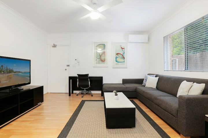 Entire 2 Bedroom apartment near UNSW & Hospitals