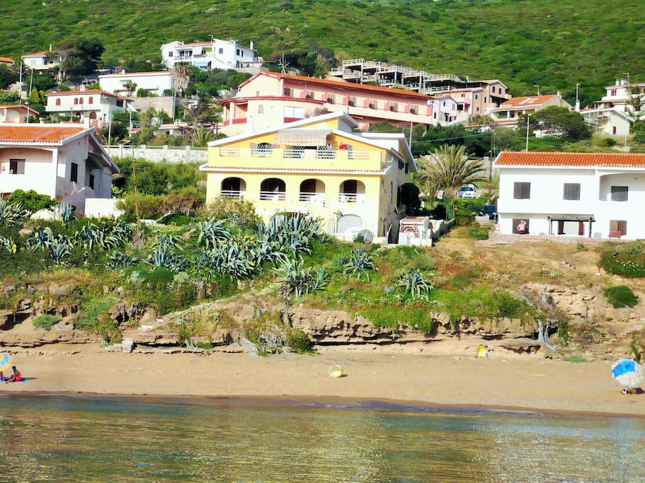 The house overlooking the beach