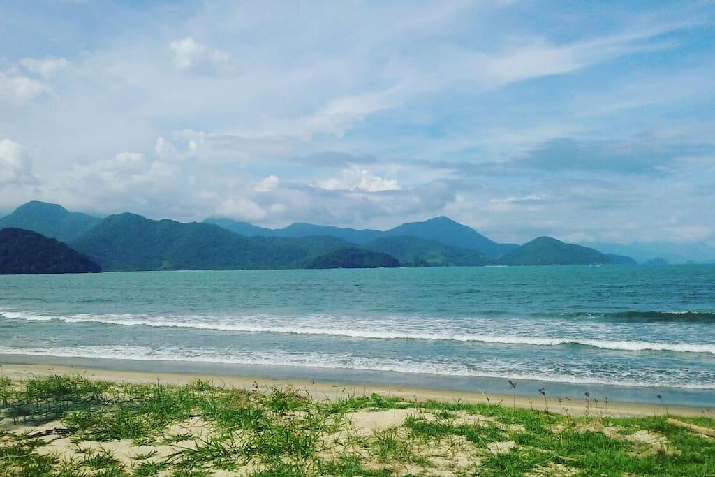 Praia do Itaguá - próximo a casa