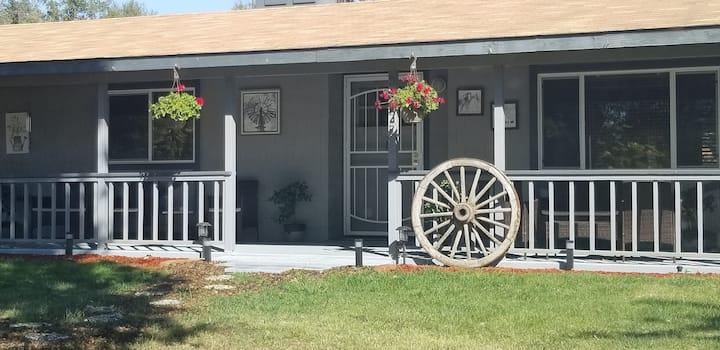 Huron Ranch House/Yosemite/Bass Lake/BBQ/Ping Pong