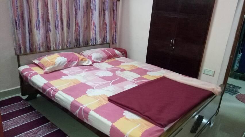 T Nagar Pondy Bazaar Budget Non Ac 1 BHK