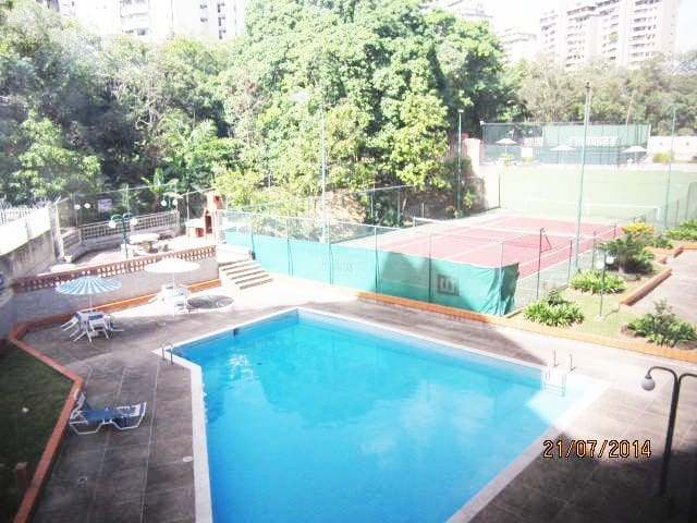Private room with single bed and private bathroom - Caracas - Apartament