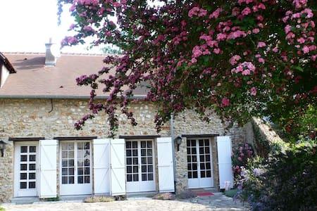 Gîte de charme au cœur d'un hameau - Chevreuse - Casa