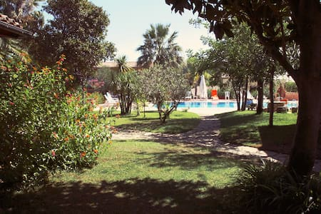 B & b Surrounded by greenery 7 km from the sea